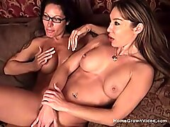 Two older busty lesbian amateurs playing together